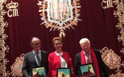 ASATA entrega a CONFESAL el Reconocimiento Especial en la gala de sus premios anuales junto al Padre Angel y Serenos Gijón SLL